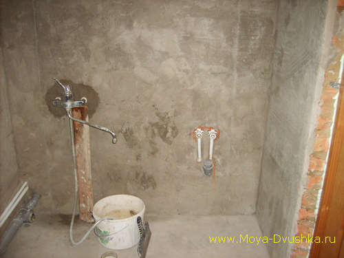Заштукатурил стены в ванной комнате